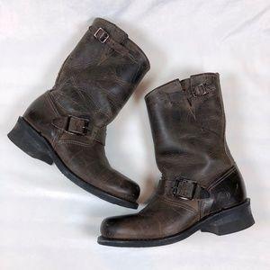 Frye Veronica Short Boot in Brown